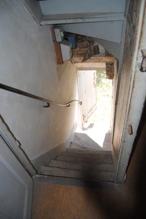 Ancien escalier 1 vue en haut
