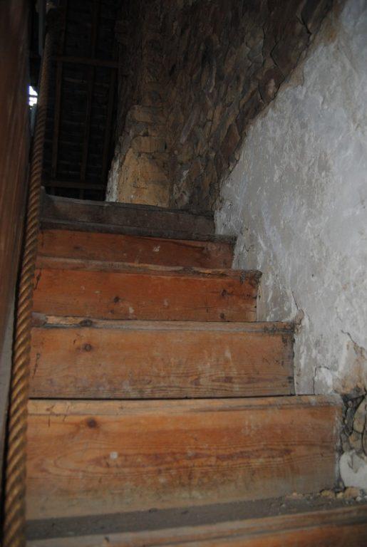 ancien escalier 1 vue en bas