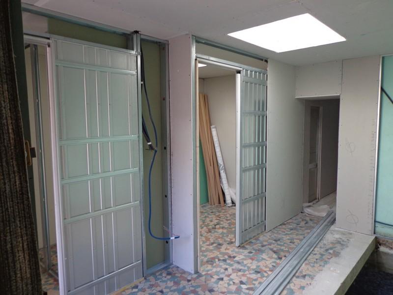 caissons galandage avec portes anciennes installées