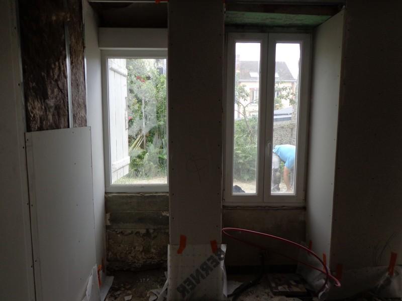 châssis fixe et fenêtre PVC avant habillage