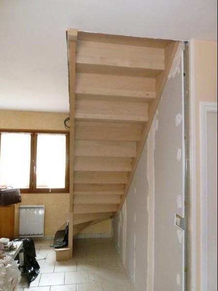 escalier-hetre-assemble-vue-dessous