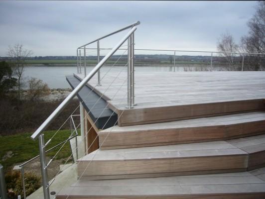 terrasse-ipe-escalier