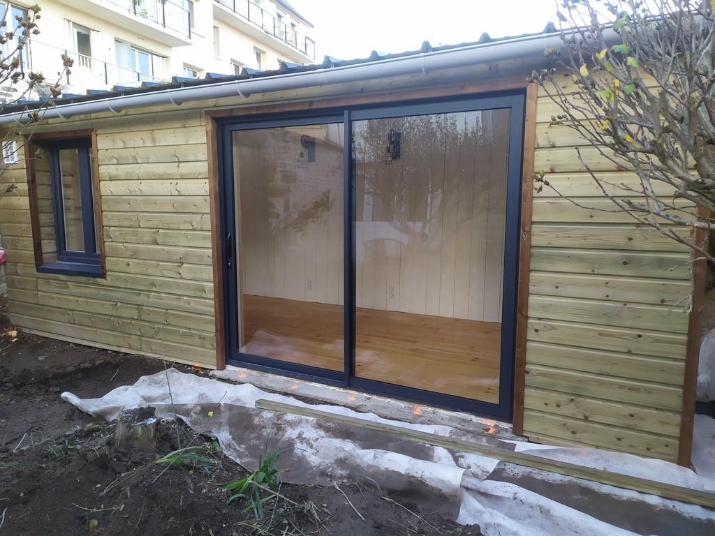 studio jardin avant terrasse bois 1